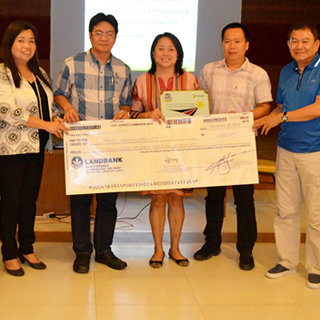 "CSC Confers ""Seal of Excellence"" Award to LHIO Kabankalan"