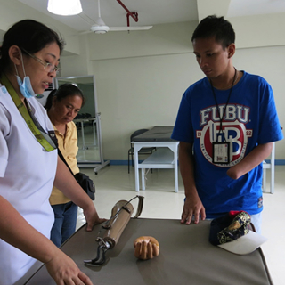 Prosthesis package expanded