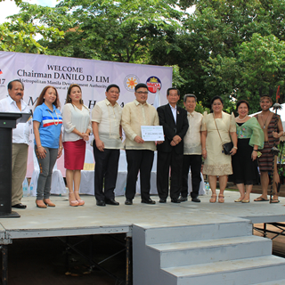 PhilHealth NCR Clinches Anew Independence Day Best Booth Award